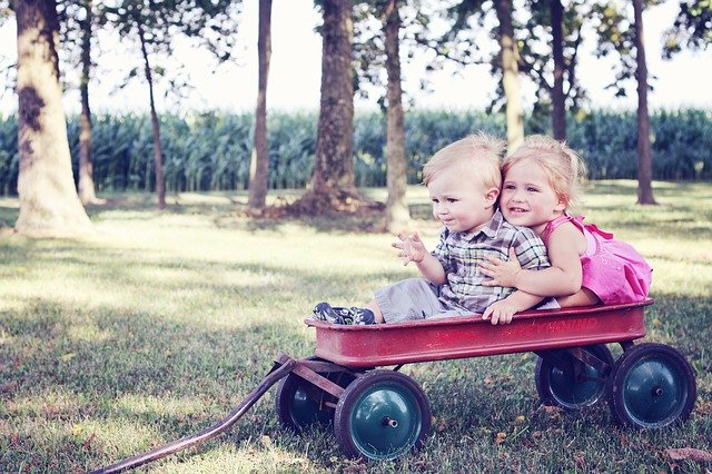 outside play - ways to keep kids busy while working from home