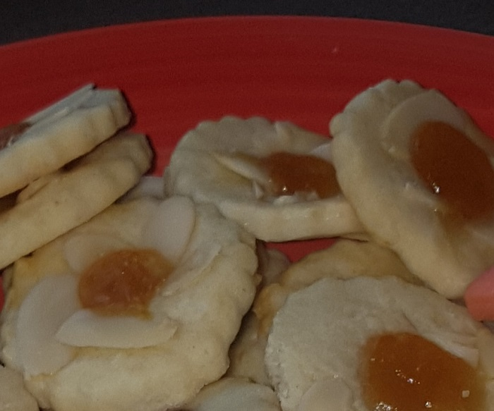 Thumbprint apricot - easy cookies to make with kids