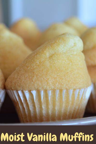 Moist Basic Vanilla Cupcakes